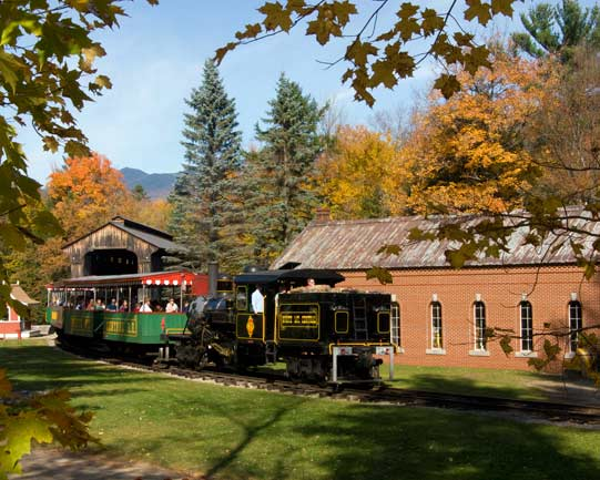 Clarks Trading Post and the White Mountain Central Railroad